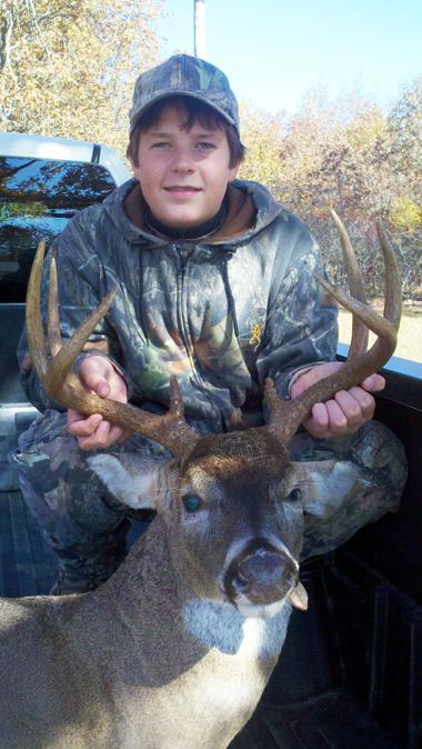Flowers Gets 8-Point Buck With Bow